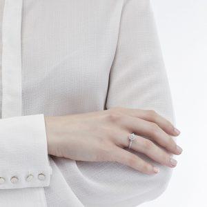 Anello Mirella con Diamante 0,50