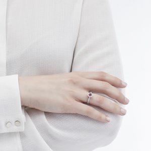Anello Mirella con Rubino 0,50